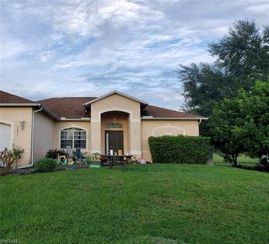 1002 NE 2nd Avenue, Cape Coral, FL 33909 (MLS #220067400) :: Palm Paradise Real Estate