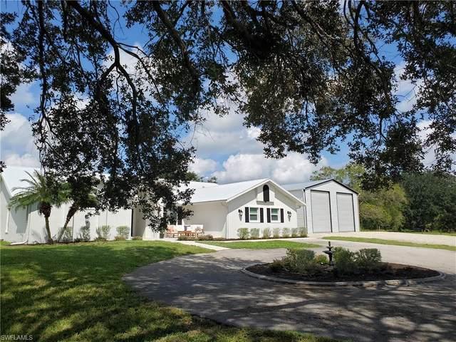13091 Orange River Boulevard, Fort Myers, FL 33905 (MLS #220067417) :: Eric Grainger | Engel & Volkers