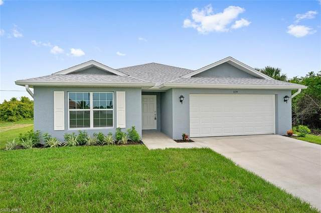4009 NE 9th Place, Cape Coral, FL 33909 (MLS #220067428) :: Avantgarde