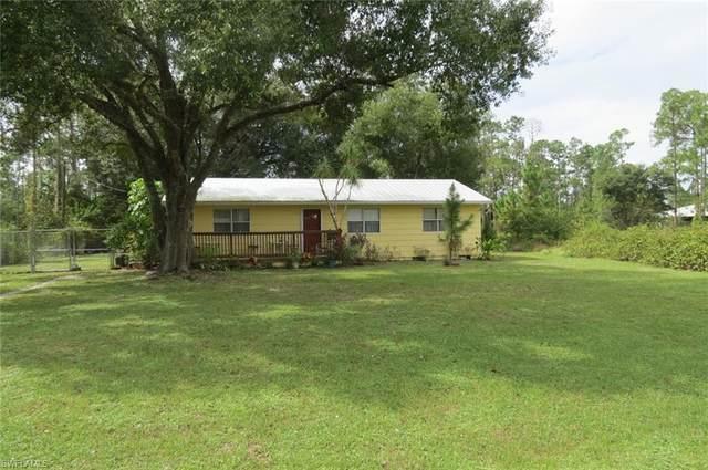 1119 5th Avenue, Lehigh Acres, FL 33972 (#220067608) :: The Dellatorè Real Estate Group
