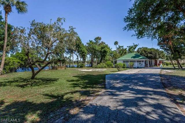 400 Live Oak Lane, Labelle, FL 33935 (MLS #220067826) :: The Naples Beach And Homes Team/MVP Realty