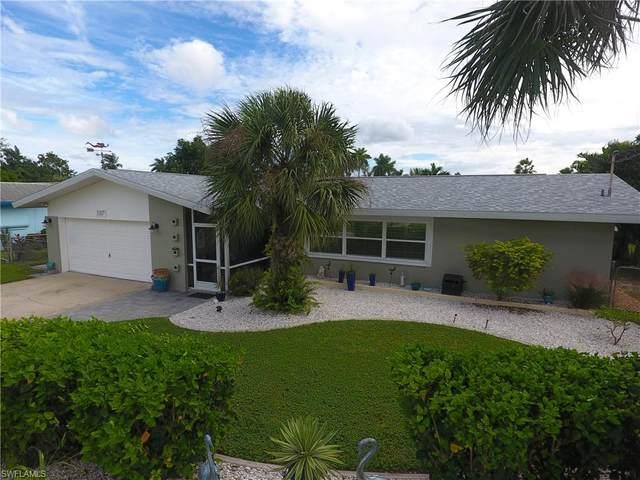 5317 Bayview Court, Cape Coral, FL 33904 (MLS #220067837) :: Eric Grainger | Engel & Volkers