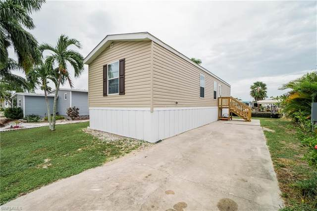 3097 York Road, St. James City, FL 33956 (MLS #220068013) :: Florida Homestar Team