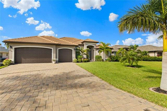 3024 SW 26th Place, Cape Coral, FL 33914 (MLS #220068081) :: Uptown Property Services