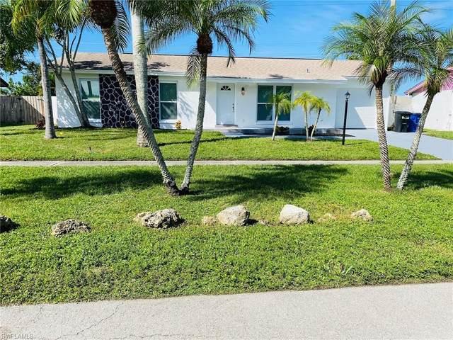 1121 Lovely Lane, North Fort Myers, FL 33903 (MLS #220068102) :: Eric Grainger | Engel & Volkers