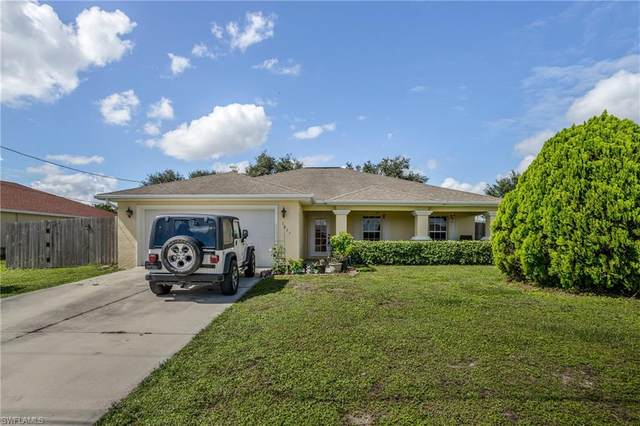 1017 Carl Avenue, Lehigh Acres, FL 33971 (MLS #220068184) :: Team Swanbeck