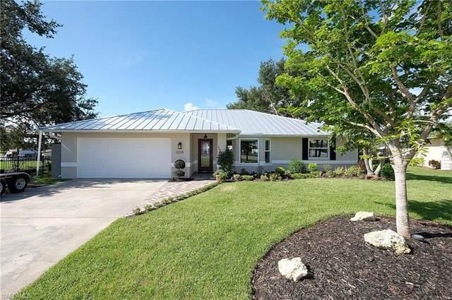 13219 Marquette Boulevard, Fort Myers, FL 33905 (MLS #220068650) :: Kris Asquith's Diamond Coastal Group