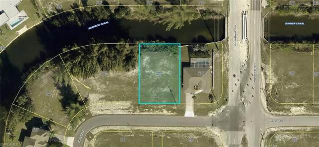 1605 SW 1st Terrace, Cape Coral, FL 33991 (MLS #220069060) :: NextHome Advisors