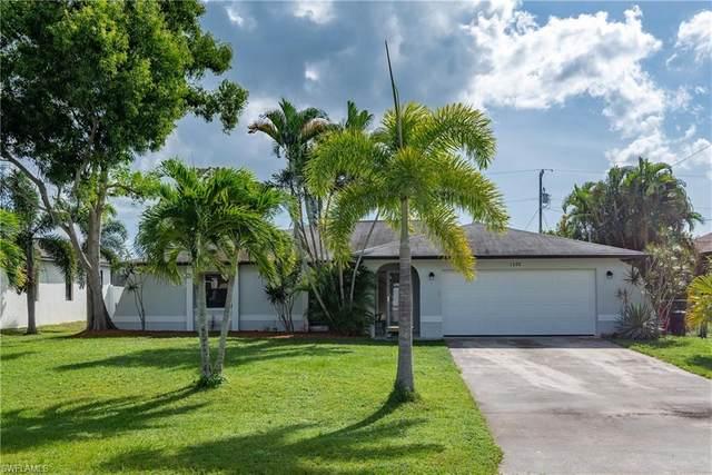 1302 SW 33rd Terrace, Cape Coral, FL 33914 (MLS #220069194) :: Avantgarde