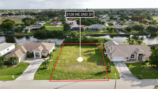 2126 NE 2nd Street, Cape Coral, FL 33909 (#220069434) :: Vincent Napoleon Luxury Real Estate