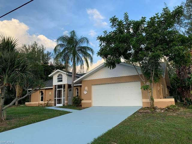 1813 SW 17th Place, Cape Coral, FL 33991 (MLS #220069652) :: Uptown Property Services