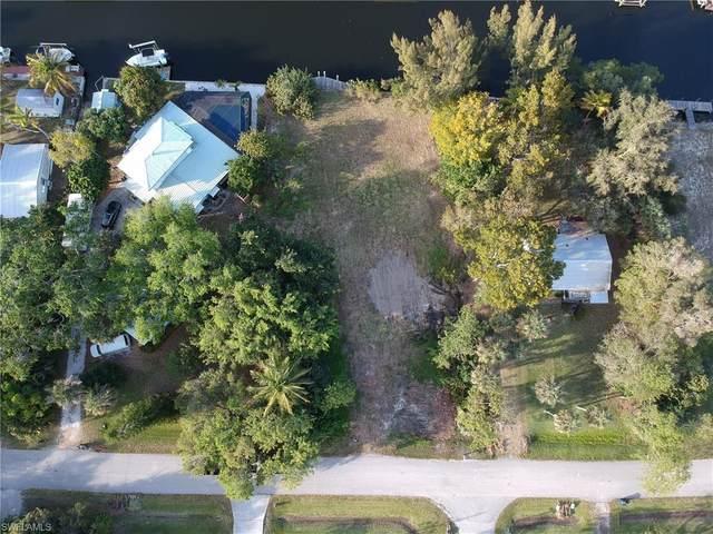 3316 6th Avenue, St. James City, FL 33956 (MLS #220070894) :: #1 Real Estate Services
