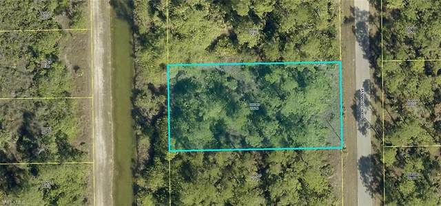 2019 Hamilton Avenue, Alva, FL 33920 (MLS #220071391) :: Clausen Properties, Inc.