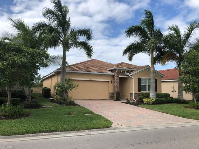3264 Royal Gardens Avenue, Fort Myers, FL 33916 (#220072605) :: The Michelle Thomas Team