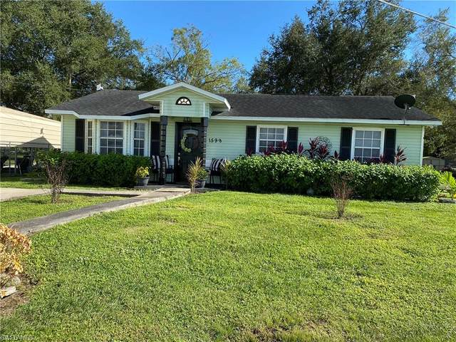 1599 West Avenue, Moore Haven, FL 33471 (MLS #220073958) :: #1 Real Estate Services