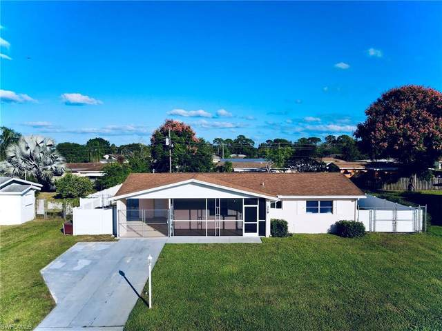339 Beachwood Avenue, Lehigh Acres, FL 33936 (#220075049) :: The Michelle Thomas Team