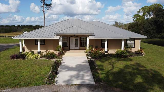 7672 County Rd 78, FORT DENAUD, FL 33935 (MLS #220075145) :: Premier Home Experts