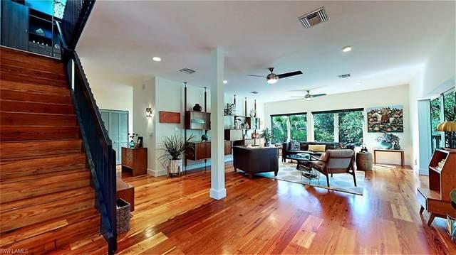 5835 Pine Tree Drive, Sanibel, FL 33957 (#220075362) :: Caine Luxury Team