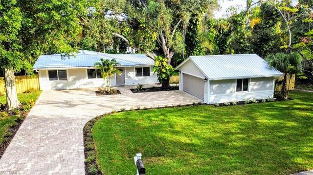 369 Caloosa Drive, Labelle, FL 33935 (MLS #220075521) :: The Naples Beach And Homes Team/MVP Realty