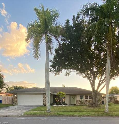 1448 N Larkwood Square, Fort Myers, FL 33919 (MLS #220075863) :: Clausen Properties, Inc.