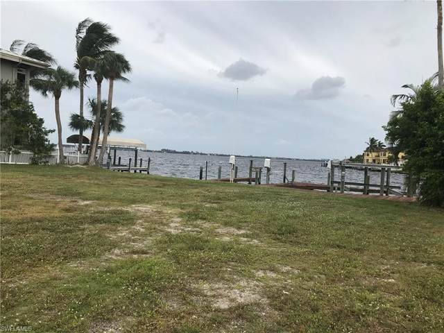 5952 SW 1st Avenue, Cape Coral, FL 33914 (MLS #220075927) :: The Naples Beach And Homes Team/MVP Realty