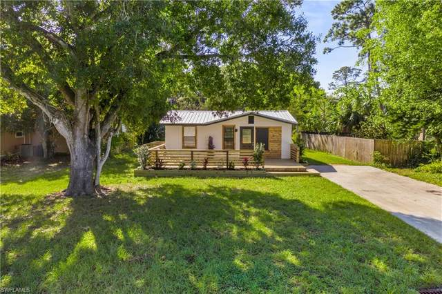 314 Byron Avenue, North Fort Myers, FL 33917 (MLS #220076160) :: The Naples Beach And Homes Team/MVP Realty