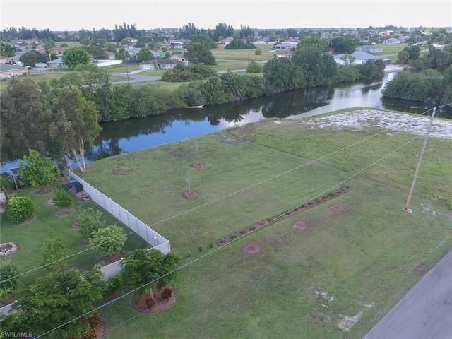 419 NE 5th Terrace, Cape Coral, FL 33909 (MLS #220076266) :: Domain Realty