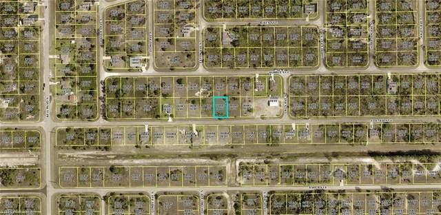 825 Foxtail Street, Lehigh Acres, FL 33974 (MLS #220076709) :: Team Swanbeck