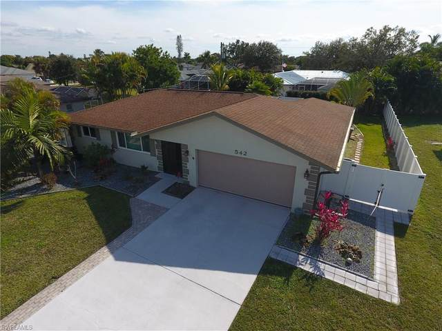 542 SE 33rd Terrace, Cape Coral, FL 33904 (MLS #221000027) :: Clausen Properties, Inc.