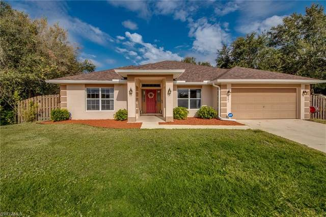 6241 Castlewood Circle, Fort Myers, FL 33905 (MLS #221000676) :: RE/MAX Realty Group