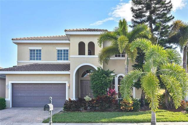 15439 Laguna Hills Drive, Fort Myers, FL 33908 (#221001219) :: Vincent Napoleon Luxury Real Estate