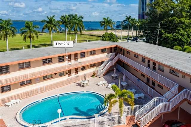 2590 1st Street #207, Fort Myers, FL 33901 (MLS #221001737) :: Kris Asquith's Diamond Coastal Group