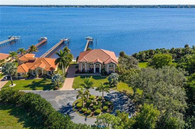 6120 River Shore Court, North Fort Myers, FL 33917 (MLS #221001755) :: Premier Home Experts