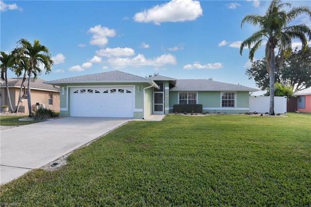 111 SE 14th Court, Cape Coral, FL 33990 (#221002219) :: The Dellatorè Real Estate Group