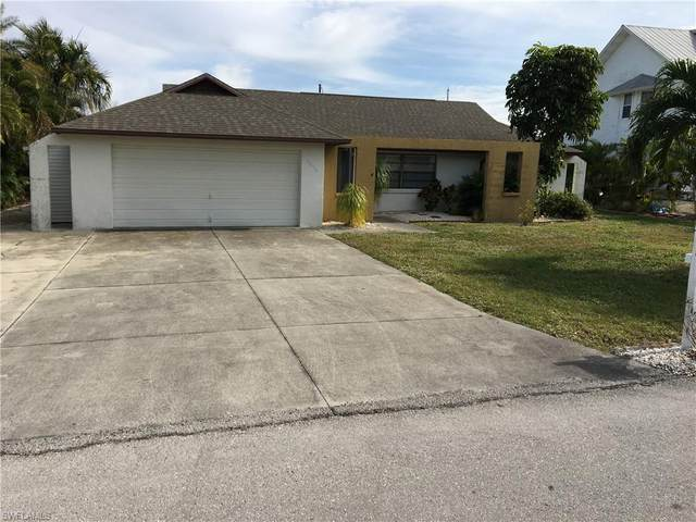 3098 Bracci Drive, St. James City, FL 33956 (MLS #221002376) :: Premier Home Experts