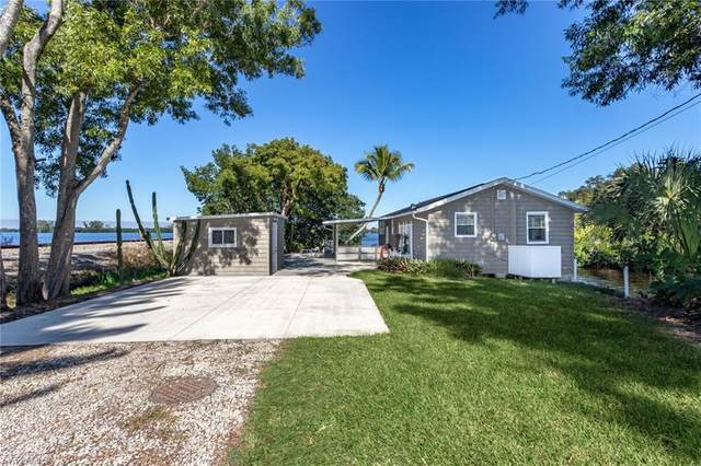 125 Lagoon Drive, Fort Myers, FL 33905 (MLS #221003287) :: RE/MAX Realty Group
