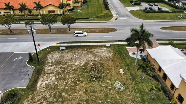 4413 Chiquita Boulevard S, Cape Coral, FL 33914 (#221003299) :: Caine Luxury Team