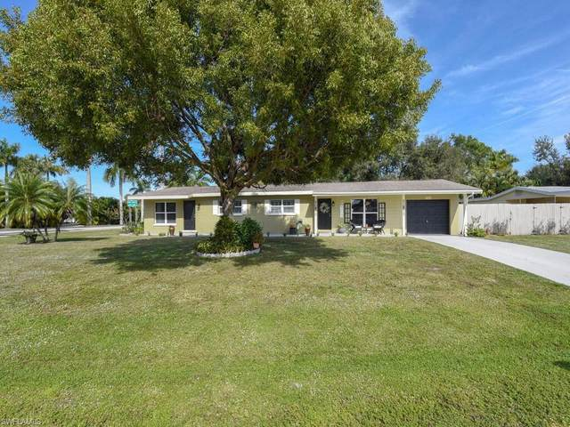 1401 Davis Drive, Fort Myers, FL 33919 (MLS #221004126) :: Premier Home Experts