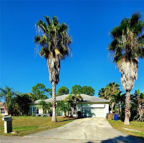 2200 Putter Lane, Lehigh Acres, FL 33973 (#221004833) :: Caine Luxury Team