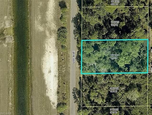 1310 Lee Avenue, Lehigh Acres, FL 33972 (#221005470) :: Vincent Napoleon Luxury Real Estate