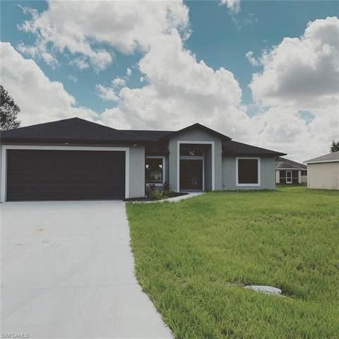 5552 Benton Street, Lehigh Acres, FL 33971 (MLS #221005802) :: Florida Homestar Team