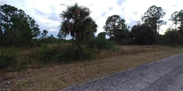 1242 Spruce Street E, Lehigh Acres, FL 33974 (MLS #221005818) :: Florida Homestar Team