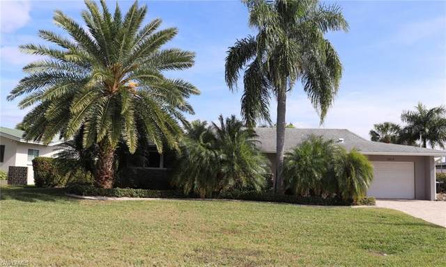 5219 Willow Court, Cape Coral, FL 33904 (MLS #221005860) :: Kris Asquith's Diamond Coastal Group