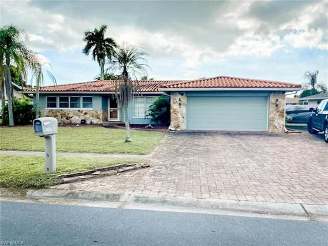1454 N Larkwood Square, Fort Myers, FL 33919 (MLS #221005910) :: Team Swanbeck