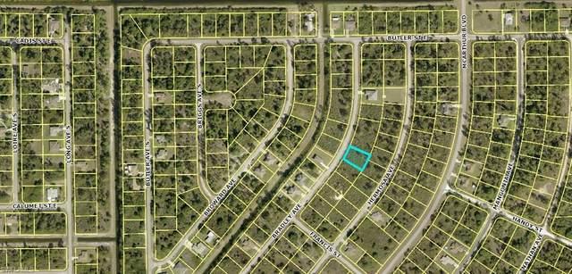 319 Bradley Avenue, Lehigh Acres, FL 33974 (#221006130) :: Vincent Napoleon Luxury Real Estate