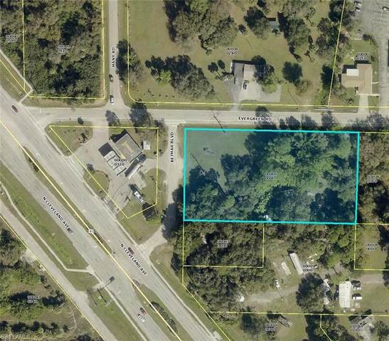 285 Evergreen Road, North Fort Myers, FL 33903 (MLS #221006259) :: Clausen Properties, Inc.