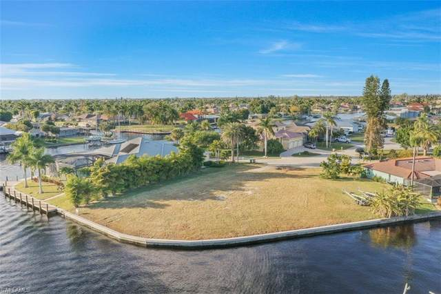 5059 Saxony Court, Cape Coral, FL 33904 (#221006367) :: Vincent Napoleon Luxury Real Estate