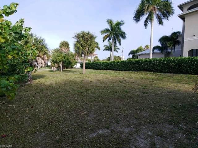 6110 Court Street W, Fort Myers Beach, FL 33931 (#221006928) :: Southwest Florida R.E. Group Inc