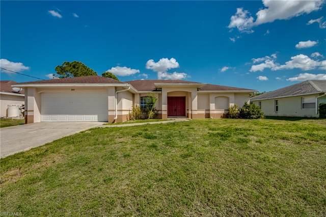 1818 Lockhaven Court, Lehigh Acres, FL 33972 (MLS #221007605) :: Clausen Properties, Inc.