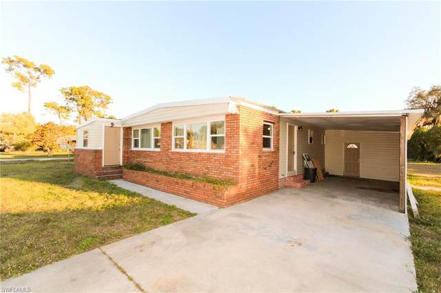 718 Lady Bird Lane, North Fort Myers, FL 33917 (MLS #221009245) :: Realty Group Of Southwest Florida